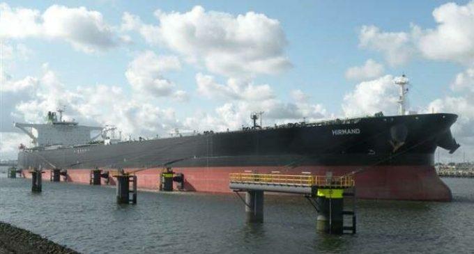 Crew fixing Iran oil tanker broken down in Red Sea