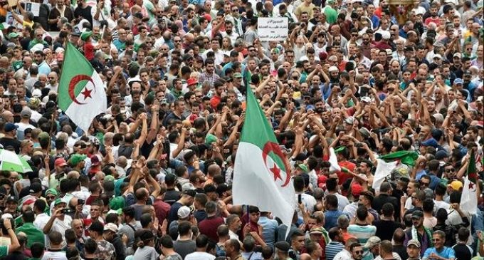 Thousands protest in Algiers despite tight security