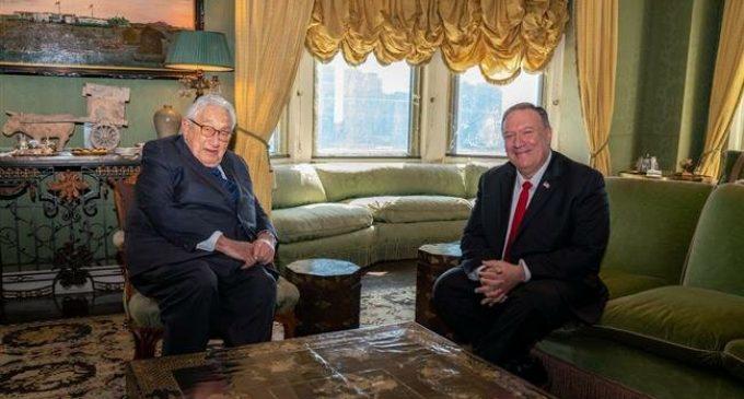 Sanders attacks 'destructive' Kissinger after Pompeo visit