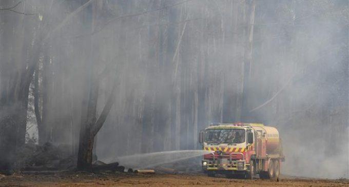 Australia orders evacuations as fires reach Sydney suburbs