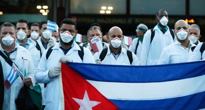 Images of Cuban Doctors Helping Italy Go Viral, Burst Media Narrative