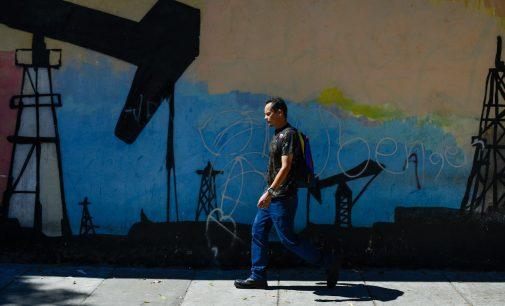 As US Shale Oil Plunges, Trump Admin Takes Aim at Venezuela