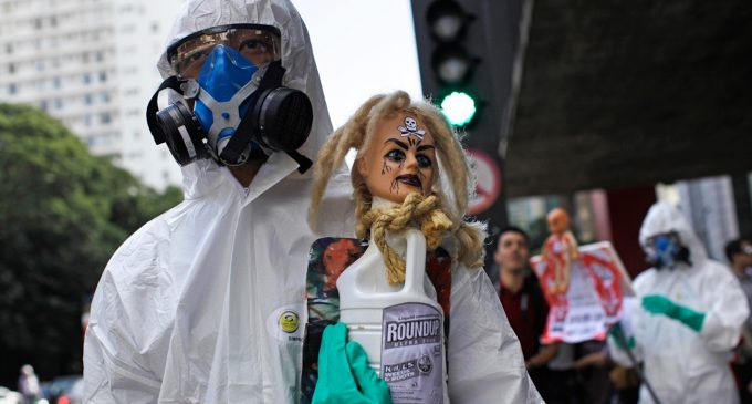 Activists Urge US Dept of Agriculutre to Deny Deadly New Monsanto GMO-Herbicide Combo