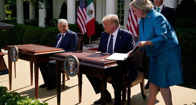 Mexico State Oil Company Files $22 Billion Debt Swap amid IMF Threats and White House Visit