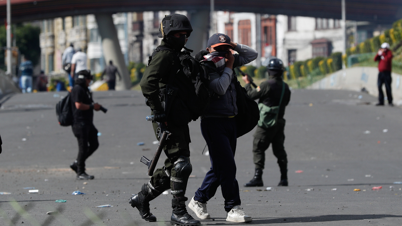 Human Rights Watch Watches Out for US' Bolivian Friends, Condemns Amnesty for Political Prisoners